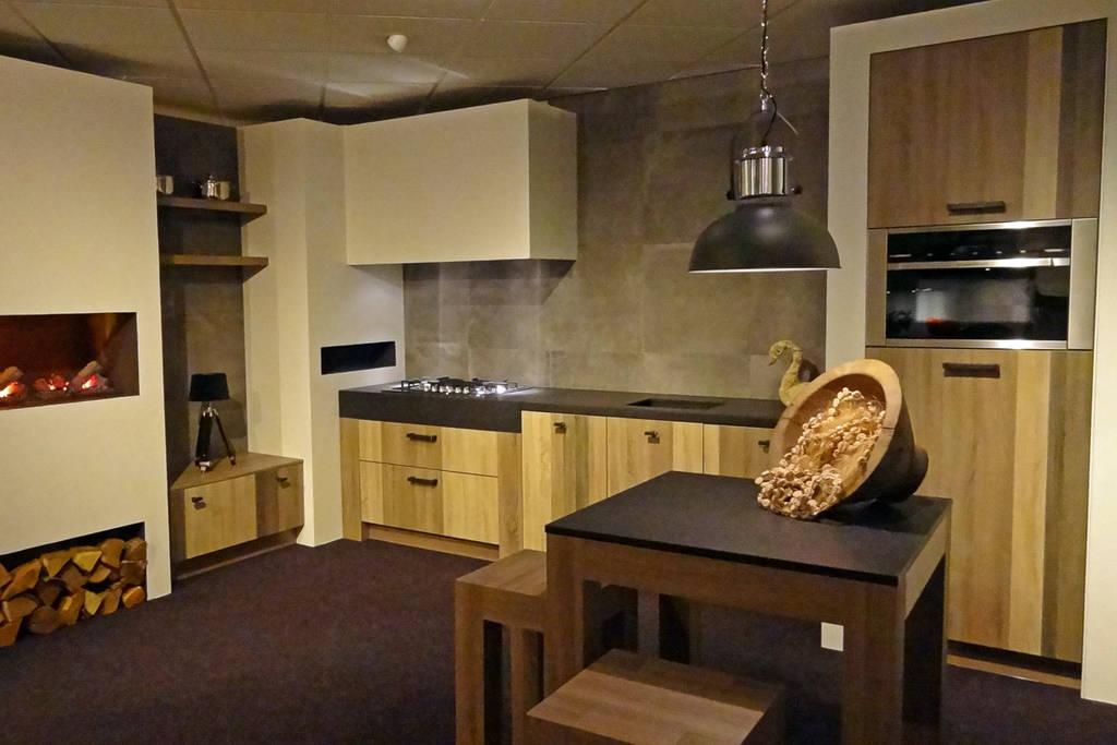 Old wood keukens: stoer & warm