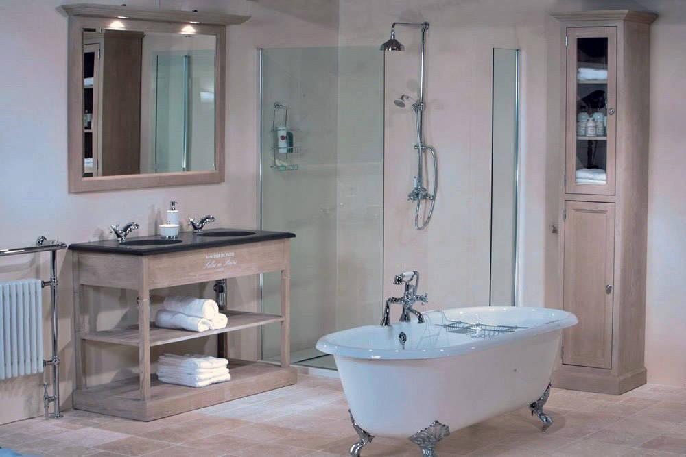 Franse badkamers: warme sfeer en origineel