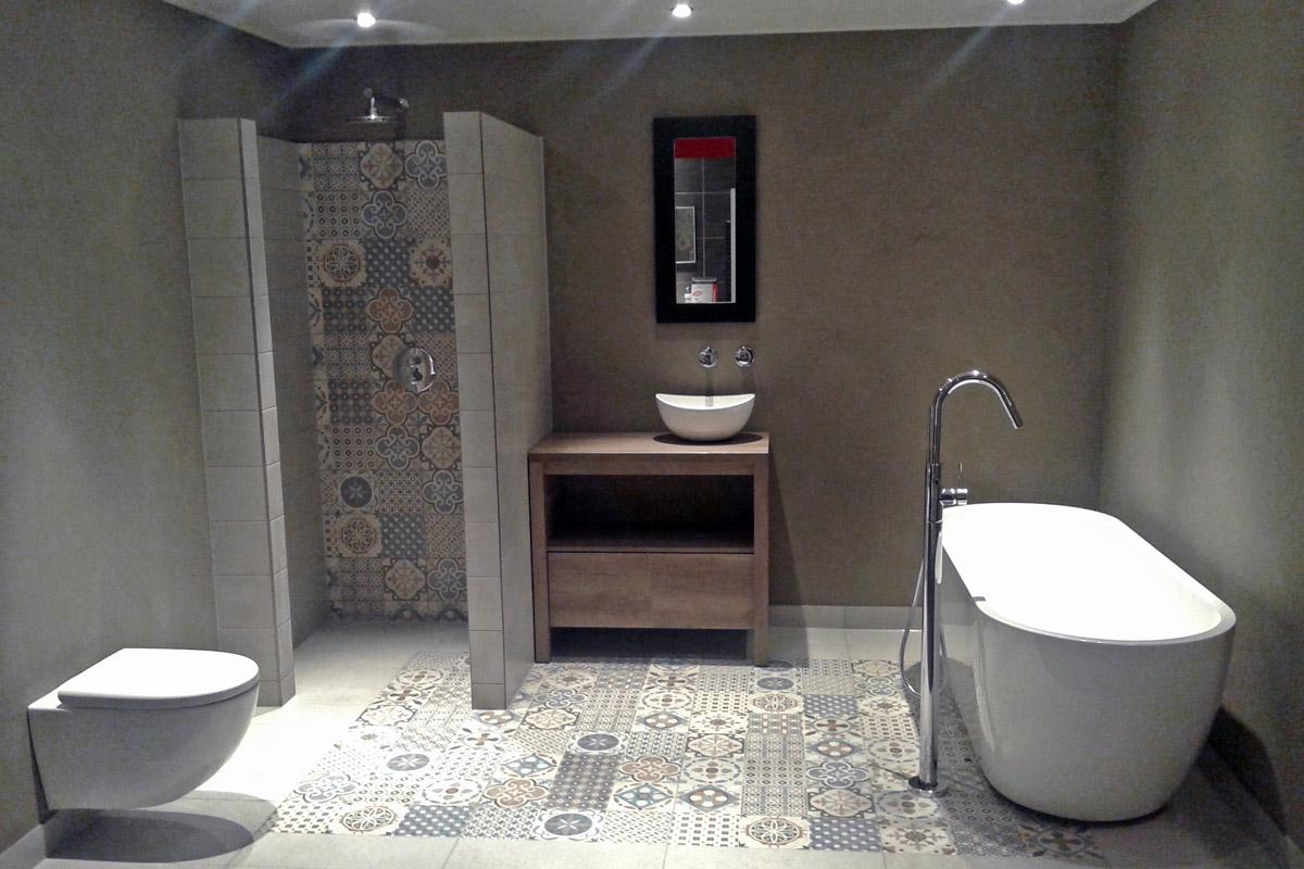 Vloertegels voor vloerverwarming - Keramische inrichting badkamer ...